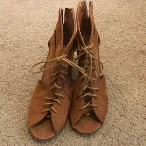 Brown suede lace up block heels. Sz 10